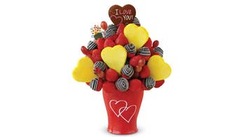 How do Edible Arrangements stay fresh?