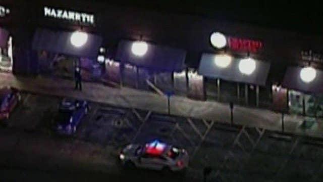 Police: Man injures 4 with machete at Ohio restaurant