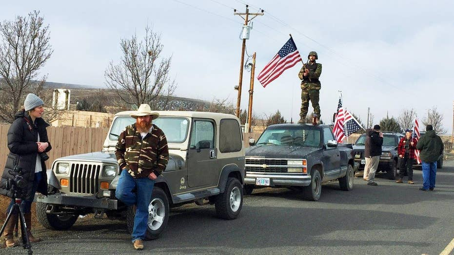 Oregon standoff ends, remaining militia members surrender