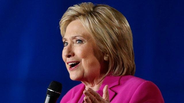 Clinton builds big superdelegate lead despite NH loss