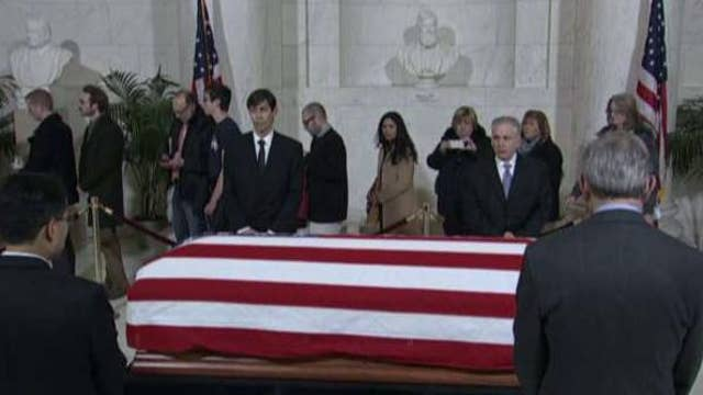 Justice Antonin Scalia lying in repose at the Supreme Court