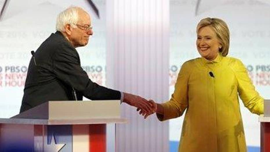 Early Nevada entrance polls show tight Democratic race