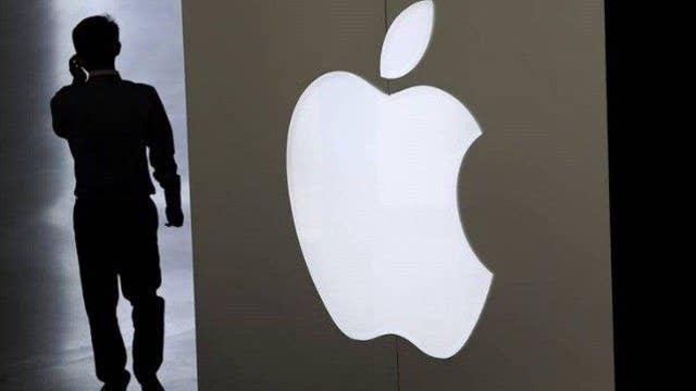 The clash between Apple and FBI heats up