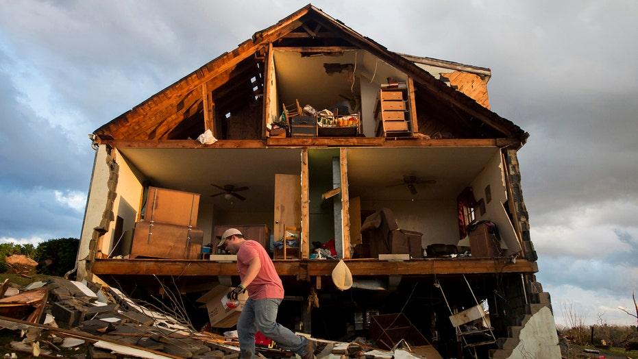 Deadly storms hammer mid-Atlantic coast