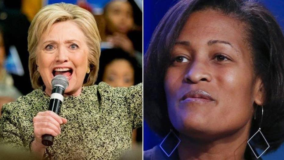 Clinton aide kept secret clearance amid e-mail probe
