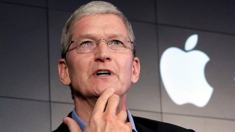 Ball in Apple's court in FBI standstill over phone data