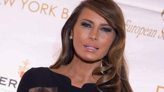 New Nude Photos Of Melania Trump