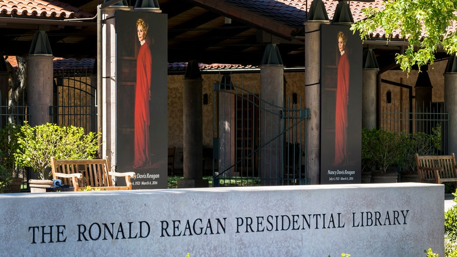 Nancy Reagan to lie in repose at Reagan Library