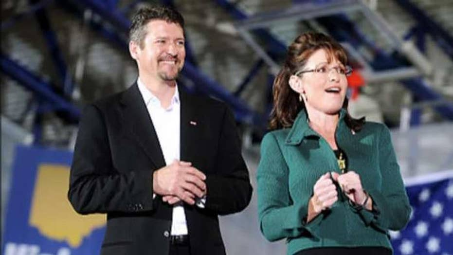 Todd Palin hospitalized after serious snow machine crash