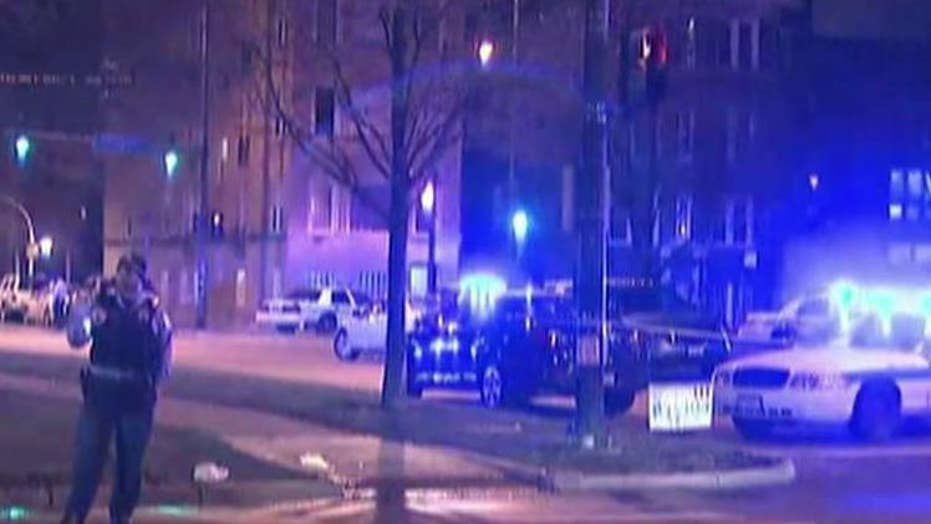 Three Chicago cops wounded in overnight shootout