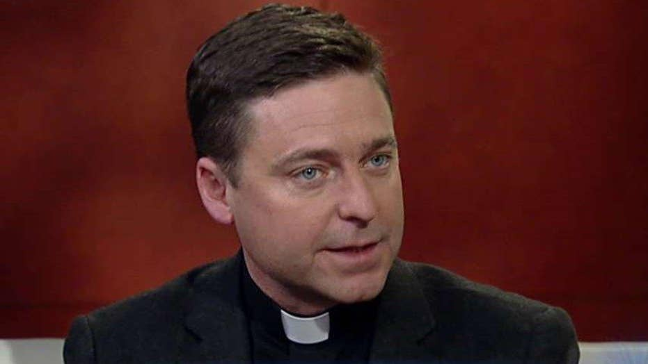 Father Jonathan Morris shares the meaning of Palm Sunday