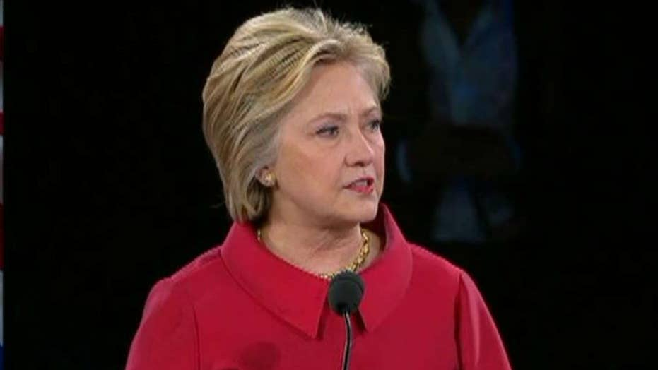 Clinton takes aim at Trump in AIPAC speech