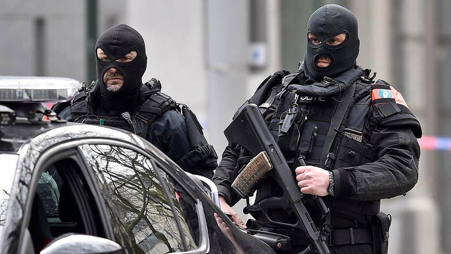 Brussels on lockdown after explosions at transportation hubs