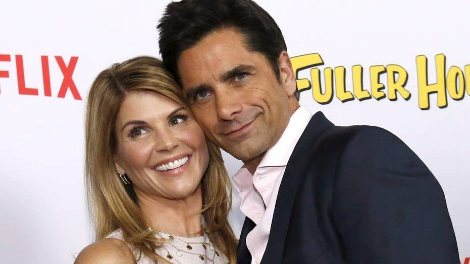 'Fuller House' star dishes on Stamos, charity work