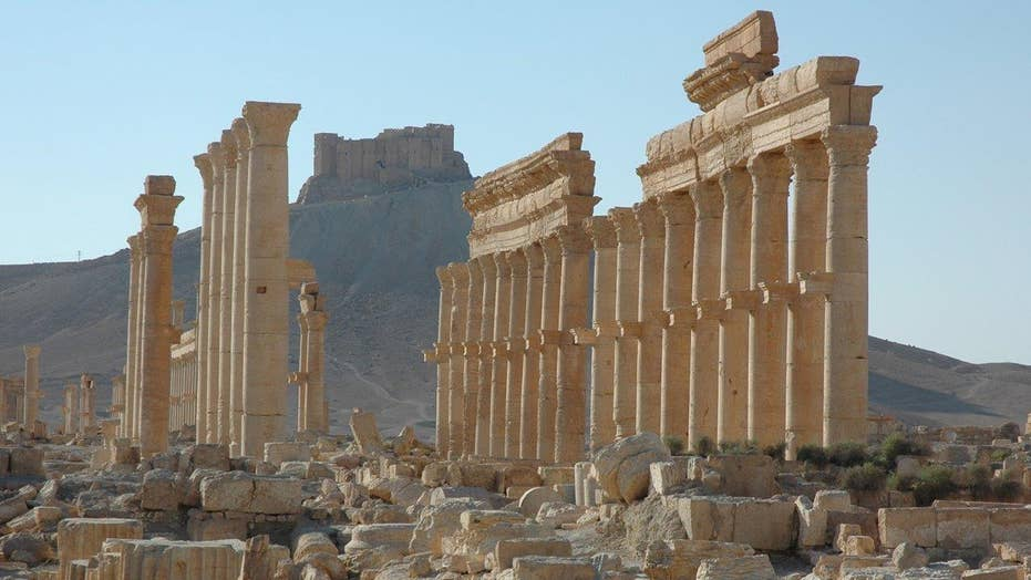 Report: Syrian army fighting to recapture Palmyra from ISIS