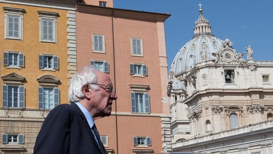Bernie Sanders meets with the Pope