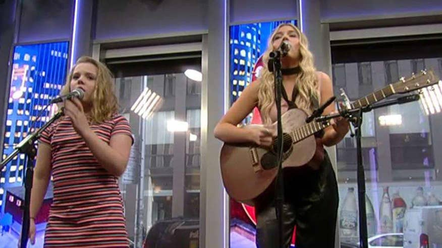 Sisters deliver acoustic performance