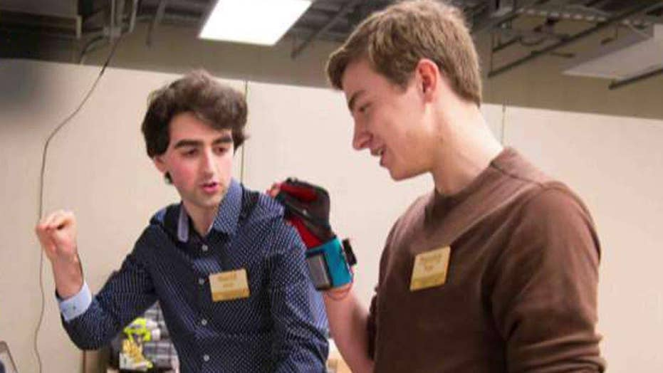 Students invent gloves that turn sign language into speech