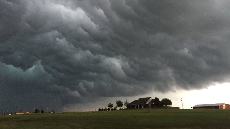 Great Plains states, Midwest brace for extreme weather