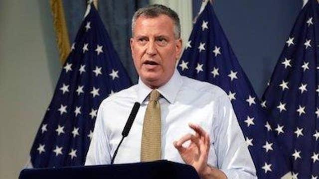 New York Mayor Bill de Blasio calls for Chick-fil-A boycott