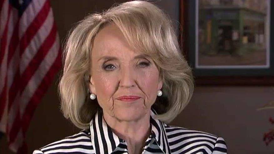 Trump supporter and former Arizona governor Jan Brewer tells 'On the Record' how she would sell the public on 'The Donald's' Mexican border wall as polls show a mixed public reaction. Plus, her take on Cruz possibly re-entering the race