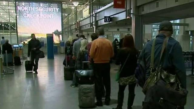 TSA wait times threaten to replace officers with contractors