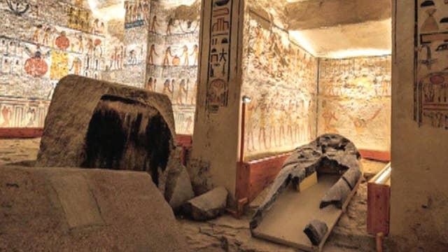 Tomb raiders obliterating human history