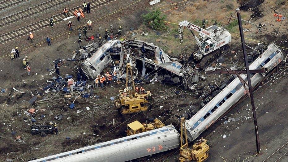 NTSB: Train engineer distracted in Philadelphia Amtrak crash