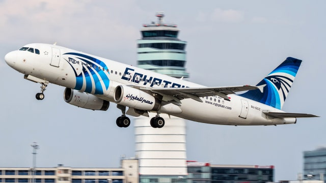 What happened in 4 minute window when EgyptAir lost contact?