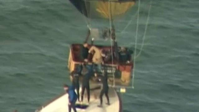 Quick-thinking boat owner saves hot-air balloon passengers