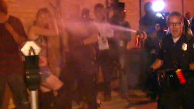 Police use pepper spray against protesters in Albuquerque
