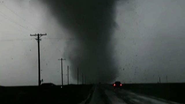 Tornadoes tear through Kansas, Oklahoma