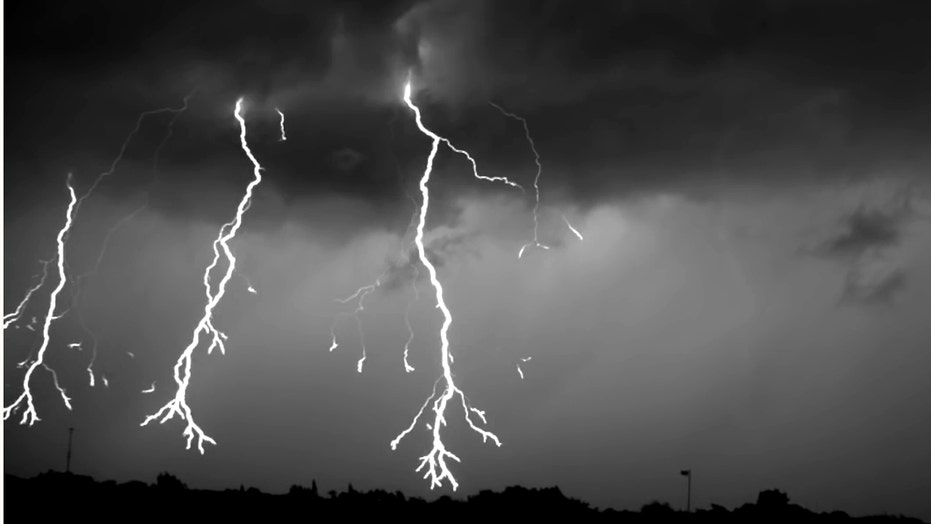 Mesmerizing video captures lightning storm in super slo-mo