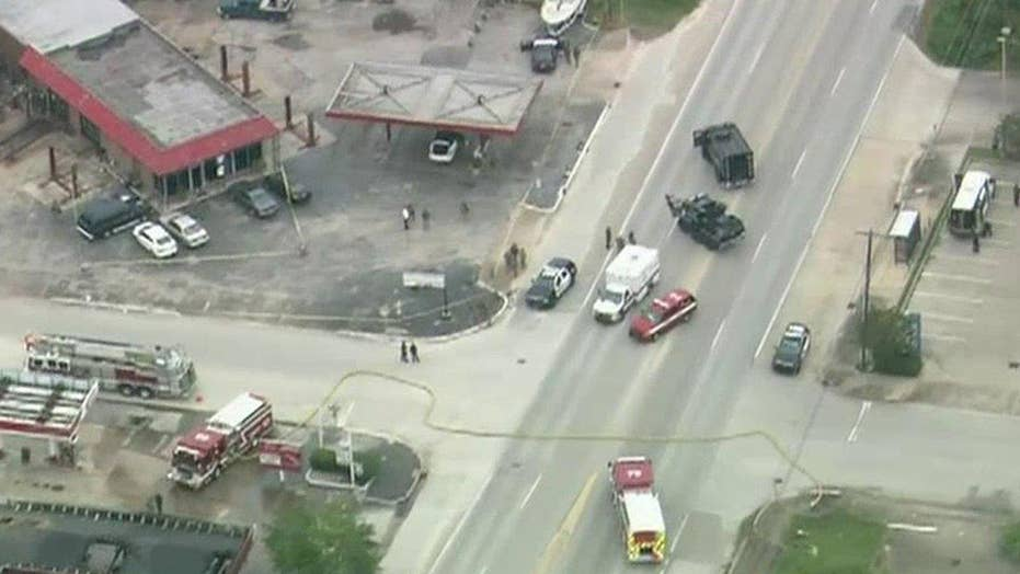 2 dead, 6 wounded in Houston shooting