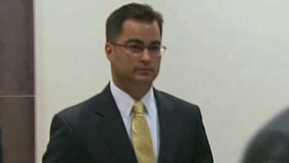 Clinton aide Pagliano pleads Fifth in email case