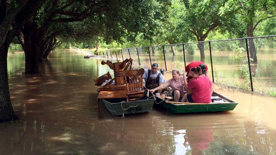 Texas residents frightened amid flooding, more rain coming