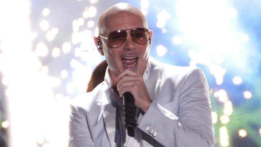 Pitbull, Fifth Harmony performed