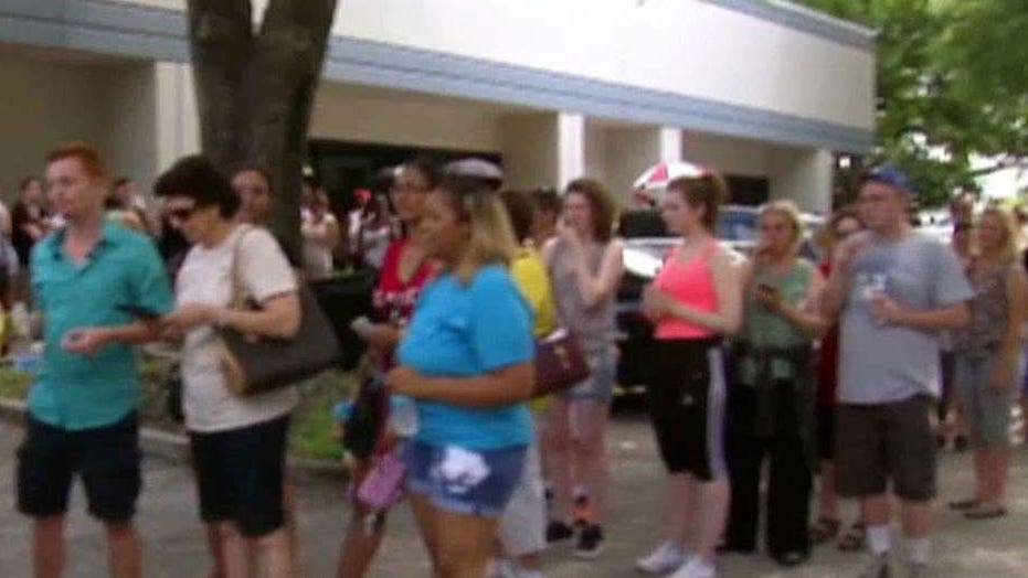 Hundreds line up to donate blood in Orlando