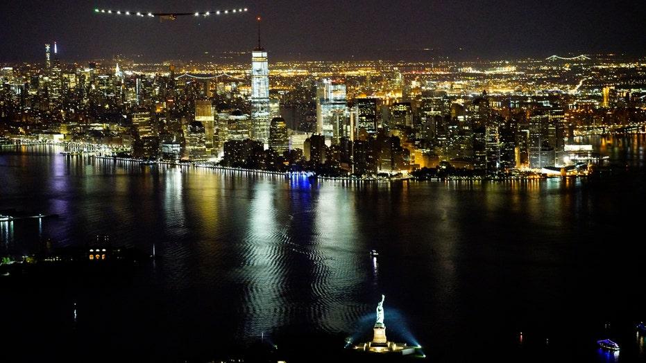 Solar plane pilot describes spectacular flight over New York