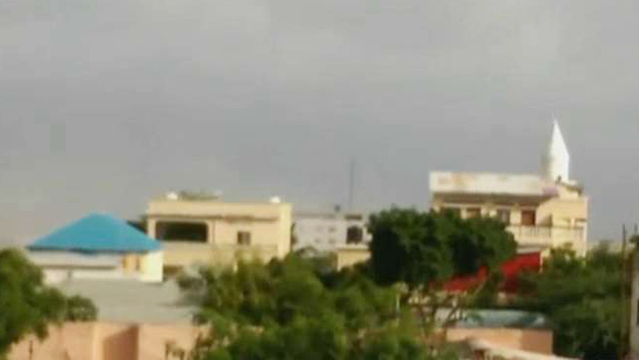 Gunmen armed with grenades storm hotel in Somalia