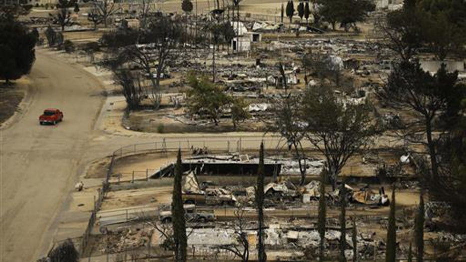 Central California wildfire burns 200 homes