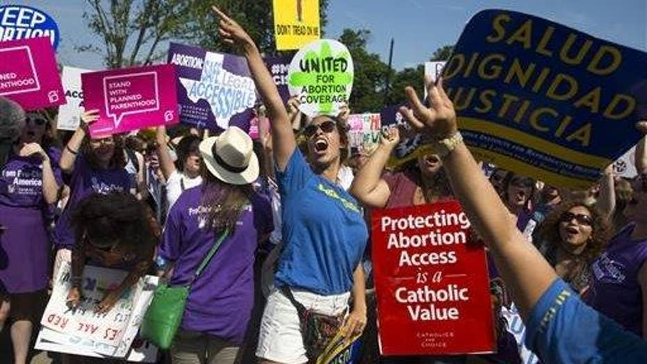 Supreme Court throws out Texas abortion law