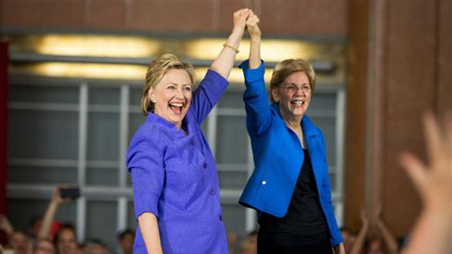 Warren slams Trump while campaigning with Clinton in Ohio