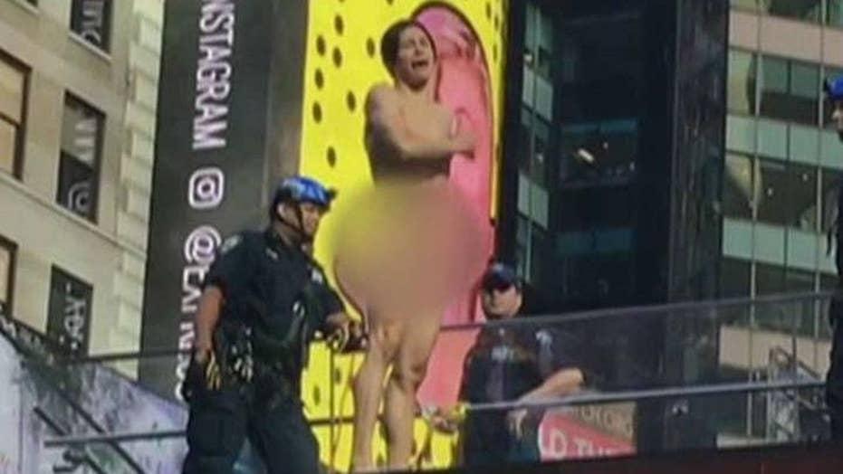 Naked man shuts down Times Square with Trump tirade
