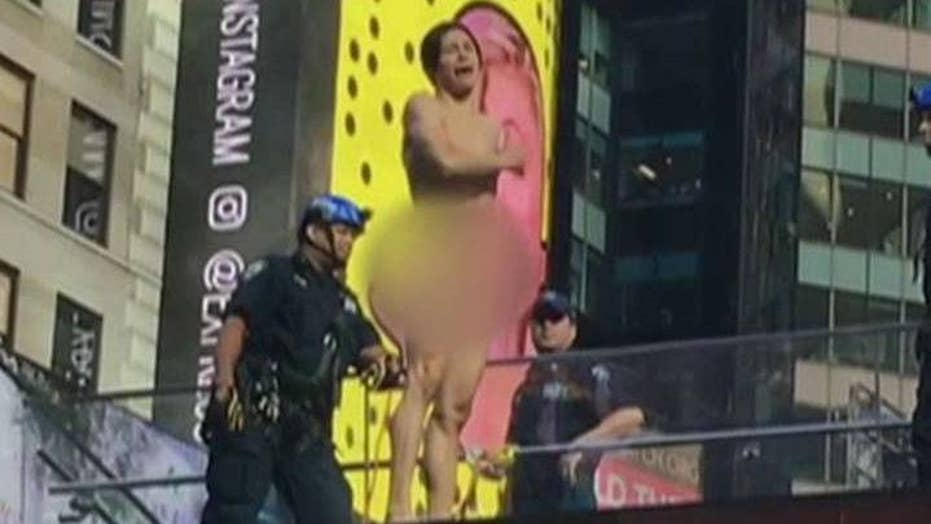 Naked man shuts down Times Square with Trump tirade