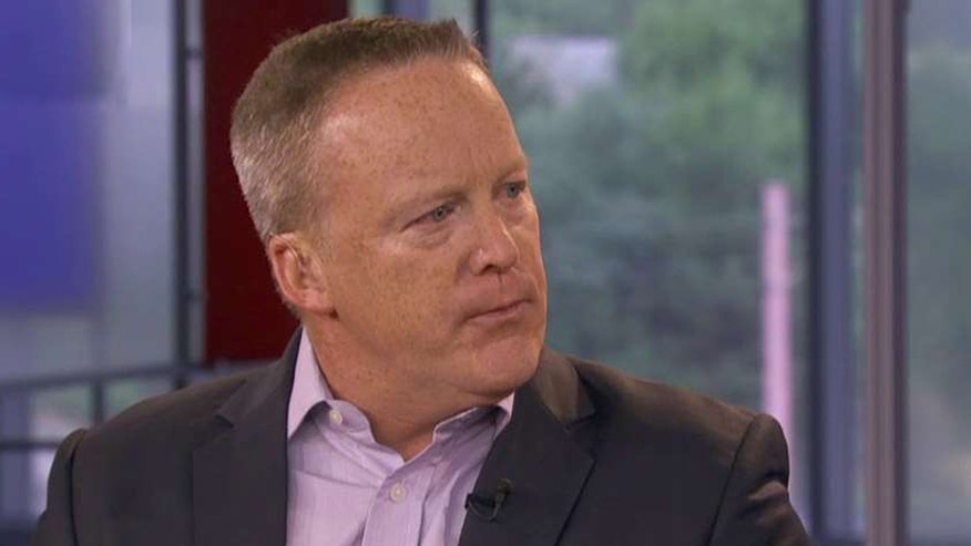 On 'America's Newsroom,' chief strategist and communications director Sean Spicer downplays absence of Romney, Bush, McCain