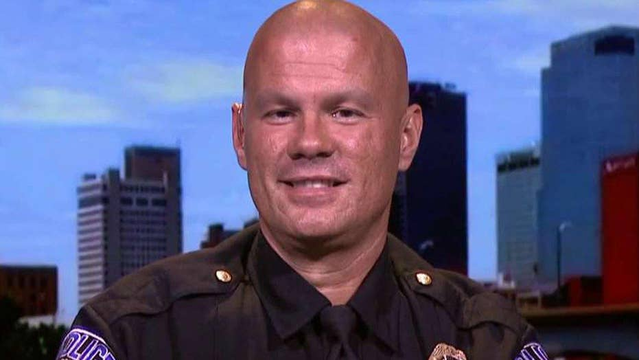 Cop uses social media to highlight community policing
