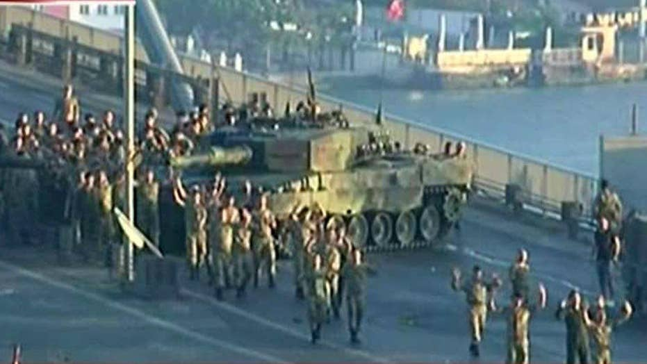 Soldiers involved in coup attempt surrender in Turkey