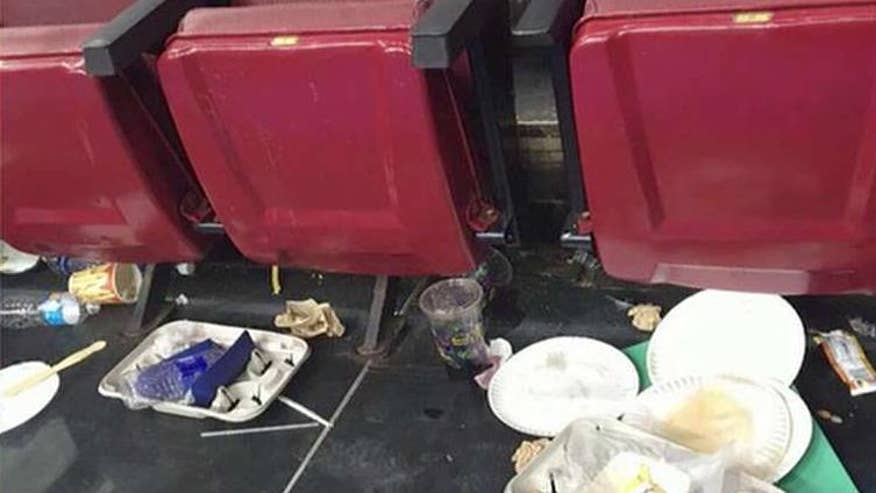 Reporters complaining about dirty conditions on the convention floor
