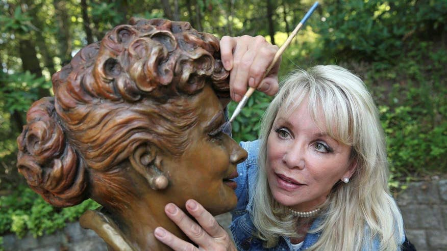 New statue welcomed by fans in the actress' home town